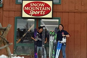 Ski 4 Less - Book Online, Save 20% :: Offers a full selection of ski and snowboard rentals as well as ski accessories and equipment repair service. Located in the Winter Park Mountain Lodge across from the resort.