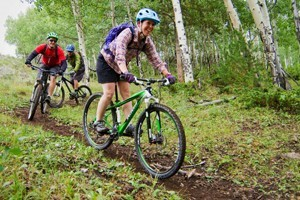 C Lazy U Ranch :: All-Inclusive dude ranch offering gourmet meals, luxury lodging, & epic mountain biking! Numerous trails throughout the ranch. Guided or unguided riding is available.