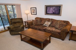 Beaver Village Condos by Stay Winter Park :: The BEST choice for your next ski trip or summer vacation! We offer condos, homes and town homes in the town of Winter Park or at the base of Winter Park Resort. Book today!