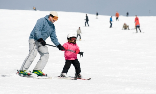 Kid learning to Ski