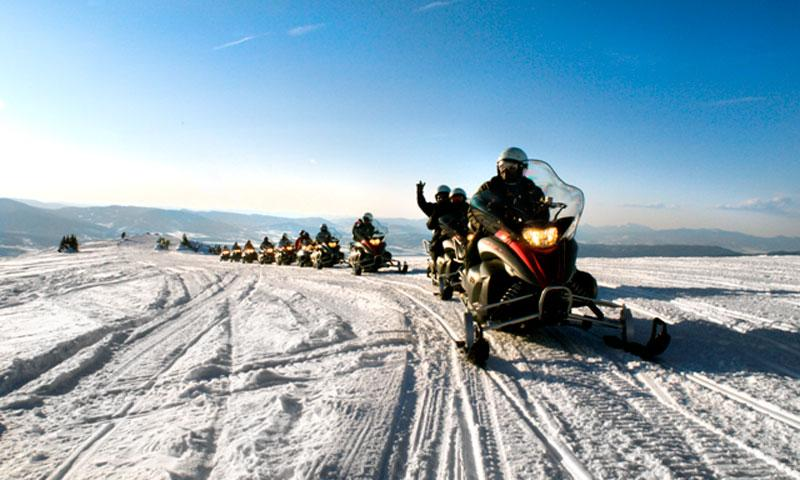 Winter park snowmobiling snowmobile rentals tours for Winter park colorado vacation cabins